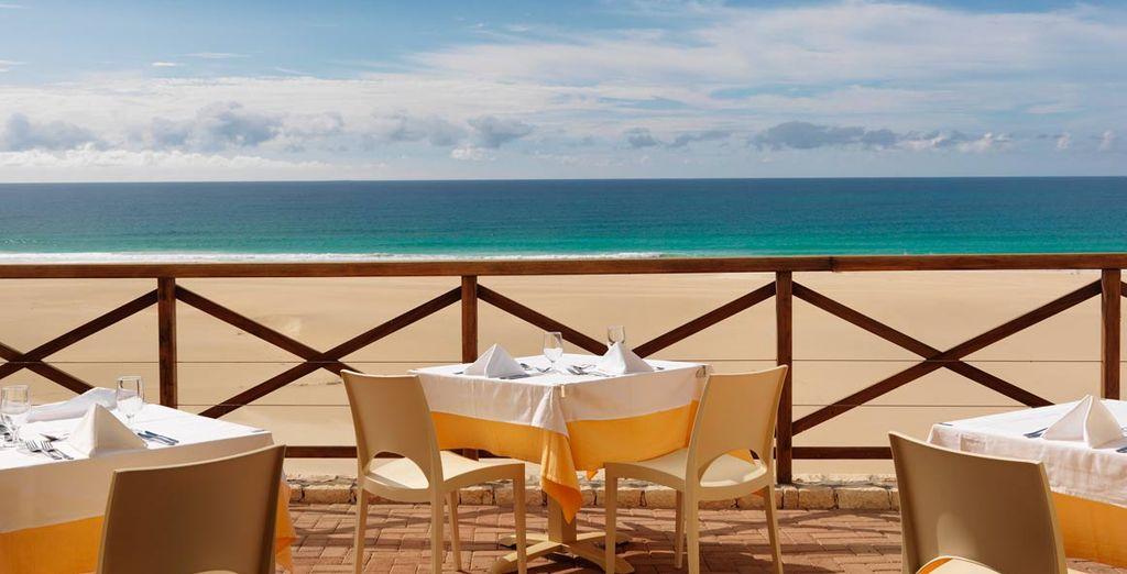 Disfrute de las magníficas vistas a la playa