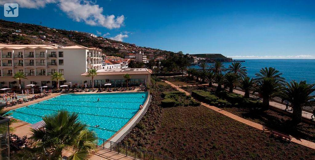 Un hotel perfecto al borde del mar