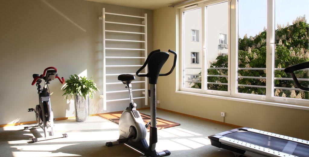 Cuídese con el acceso a la zona de fitness y a la sauna
