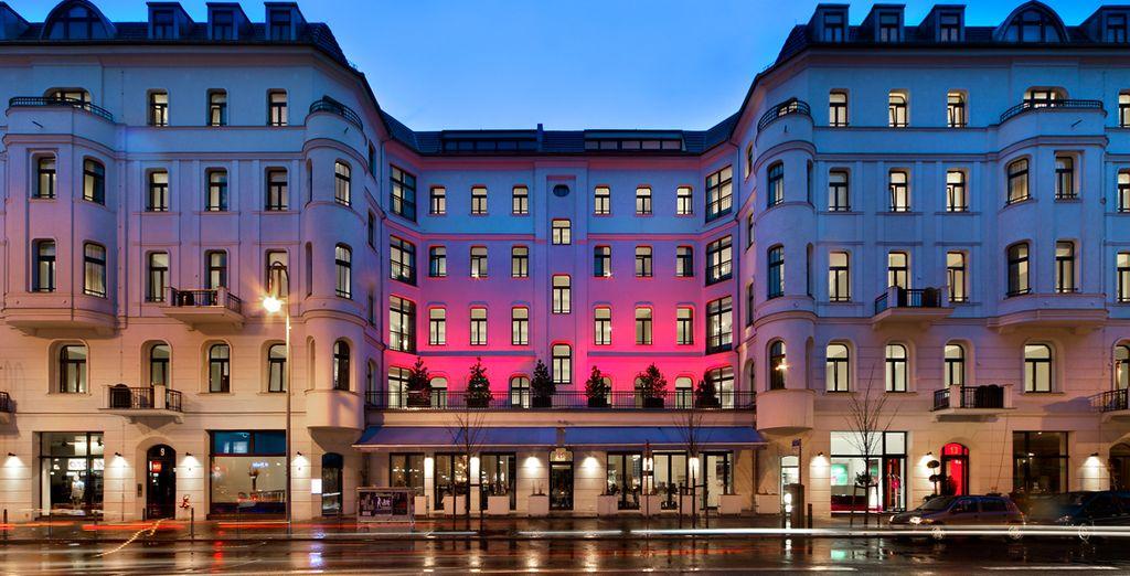 4 estrellas situado a 200 metros de la plaza de Alexanderplatz