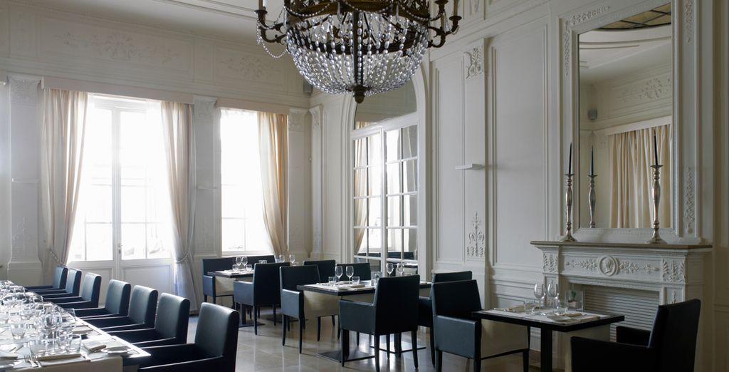 Un restaurante acogedor y confortable donde pasará veladas únicas