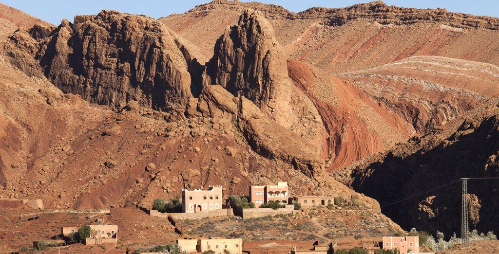 Las Gargantas del Todra, un desfiladero de paredes verticales de enormes proporciones y de gran belleza