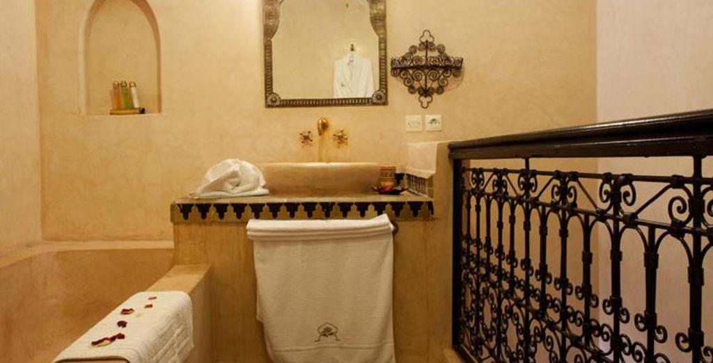 Baños completos y elegantes para su estancia