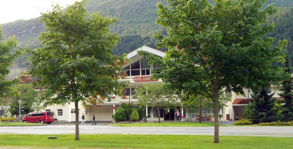 Hotel Loenfjord 4*, Loen