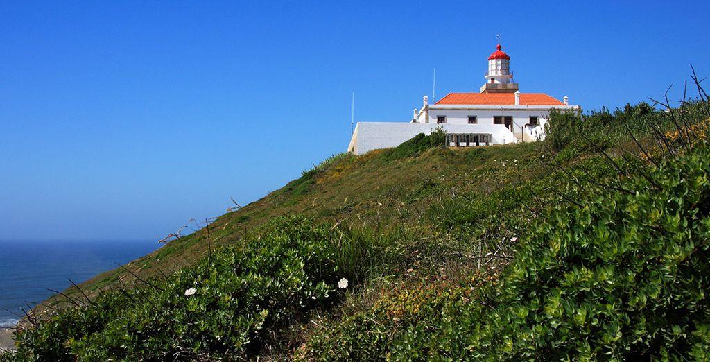 ... y paisajes donde el verde toca el azul del mar