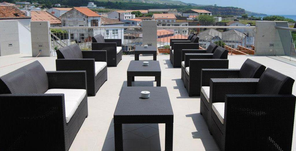 Y del cálido clima en la terraza