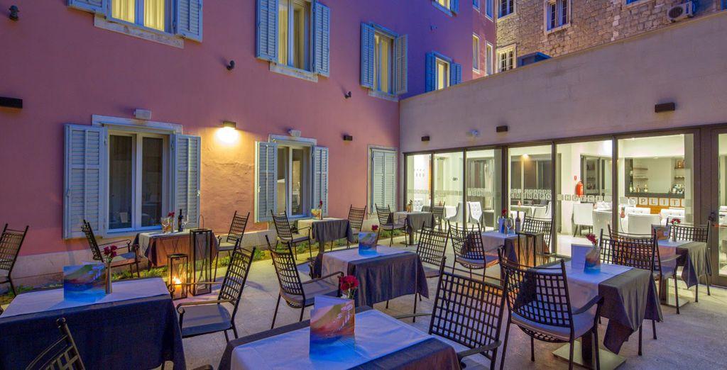 Hotel Cornaro 4*, Split