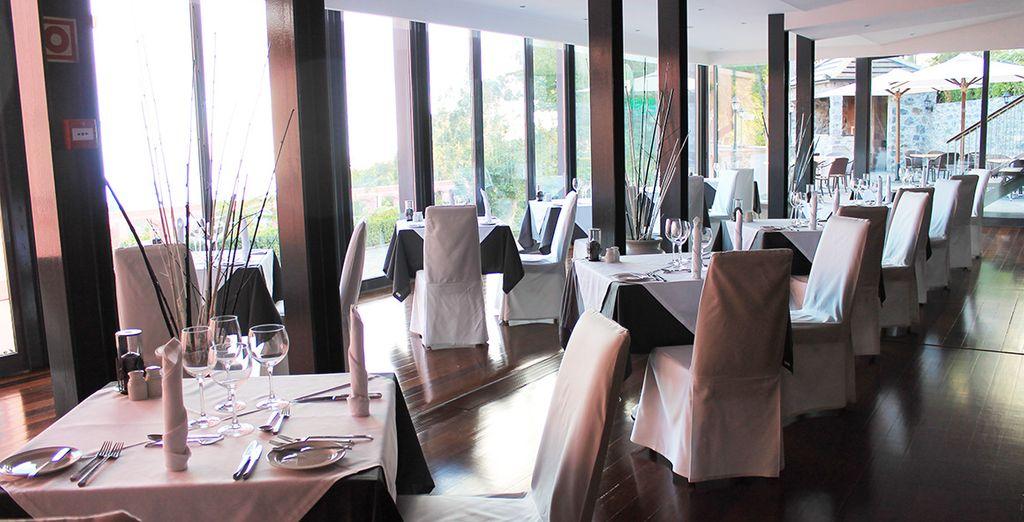 El restaurante ofrece un ambiente de lujo...