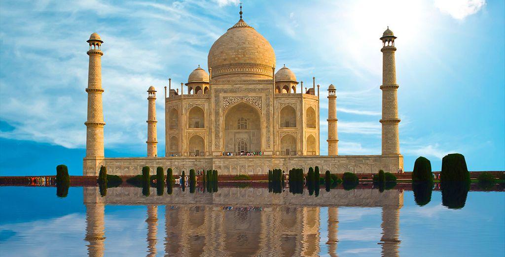 El mayor monumento de la cultura hindú, el Taj Mahal en Agra