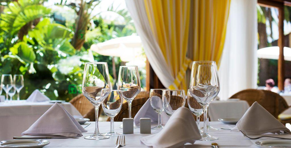 Un restaurante elegante para que deguste los mejores platos de la gastronomía canaria