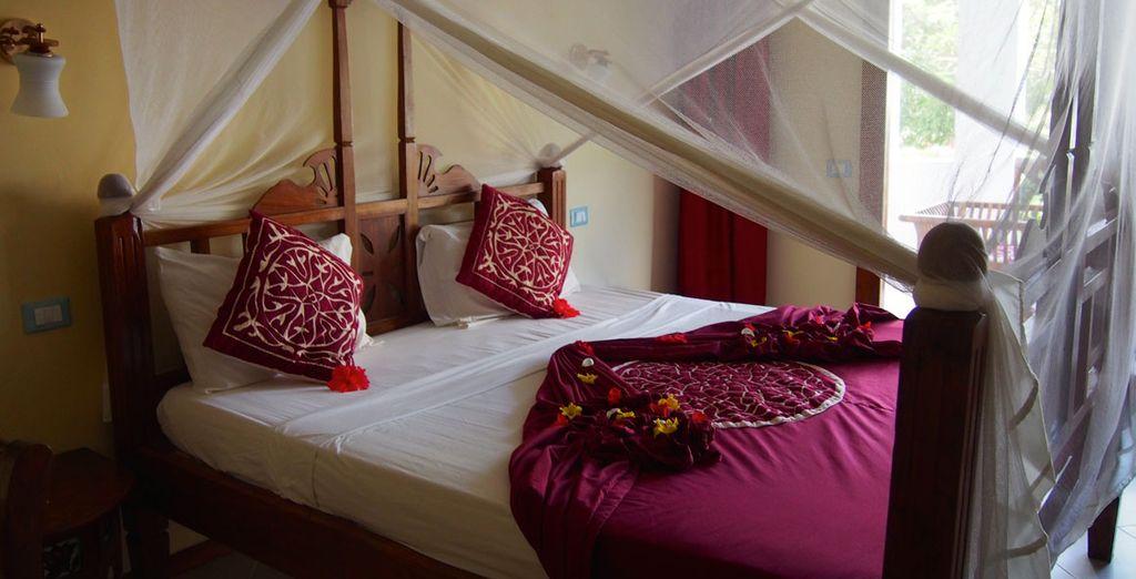 Unas habitaciones amplias y equipadas para su máximo confort con vistas al jardín