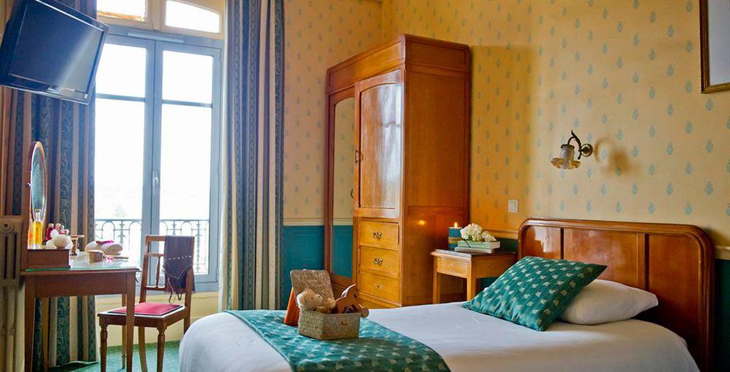Descanse en su habitación decorada al estilo Belle Époque
