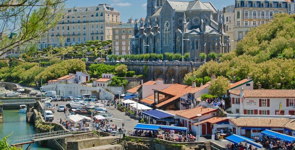 El encantador puerto de Biarritz