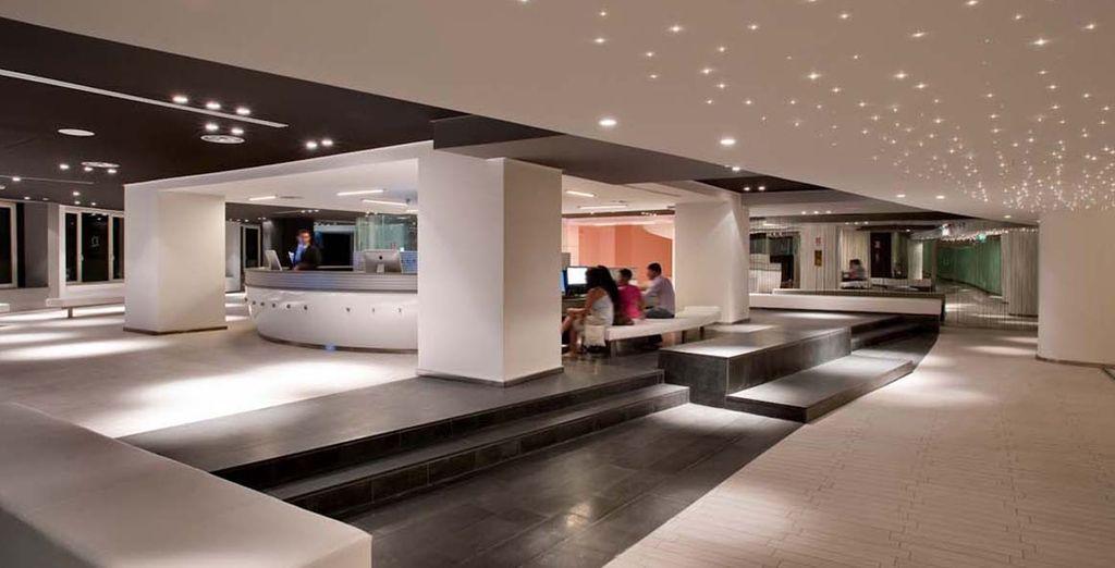 Un hotel moderno y cosmopolita...