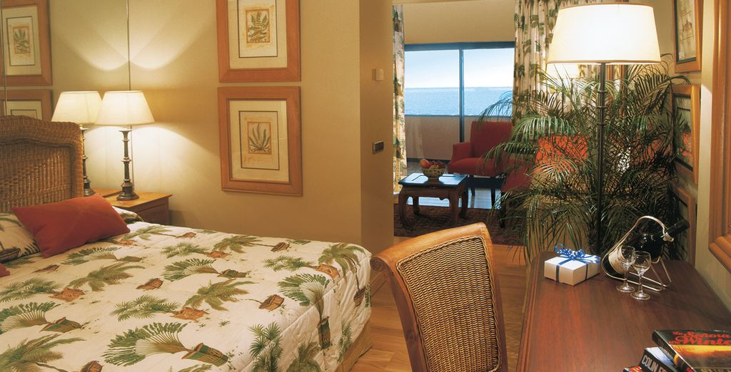 Descanse en su Junior Suite con vista al mar