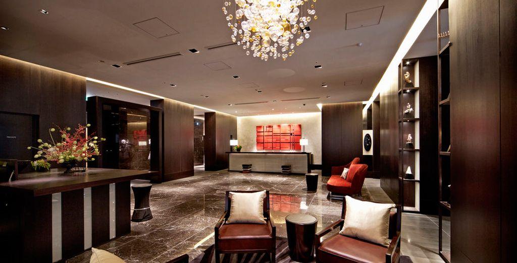 En Kioto, podrá alojarse en Royal Park Hotel The Kyoto 4*