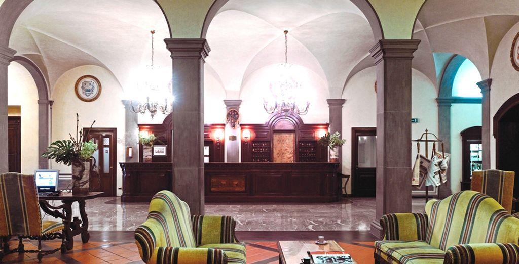 Un hotel de estilo barroco florentino a un paso de la catedral