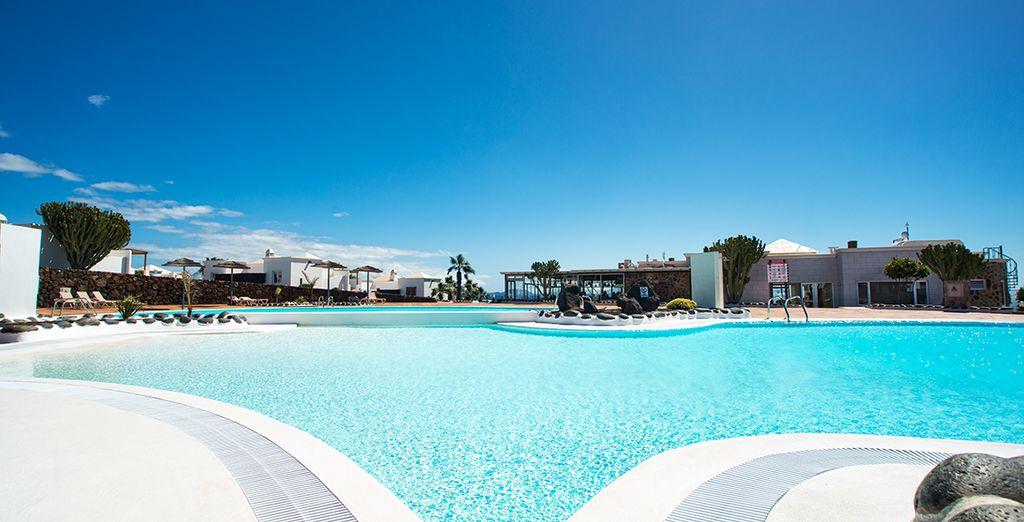 Disfrute de una piscina espectacular
