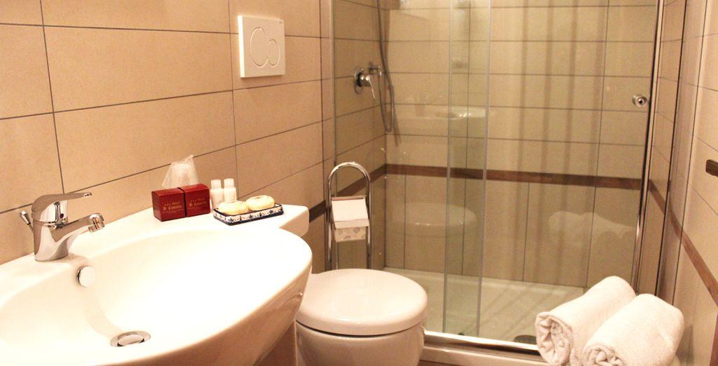 Con baños totalmente equipados para que a su estancia no le falte de nada