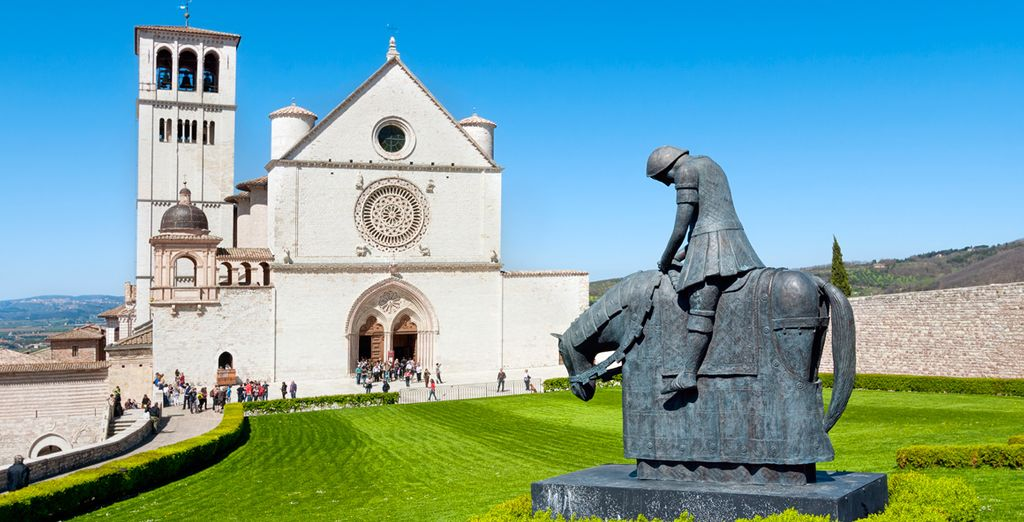 Descubra Assisi y enamórese
