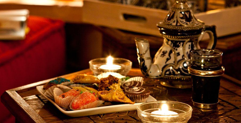 Dulces y té marroquís de bienvenida