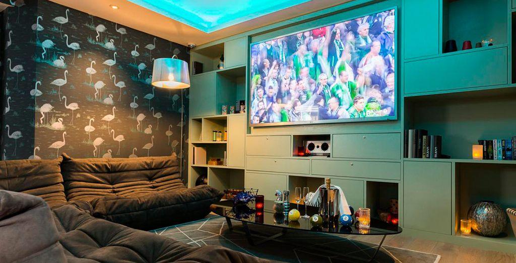 Pase momentos de relax viendo la TV Ultra HD 3D para visionados deportivos