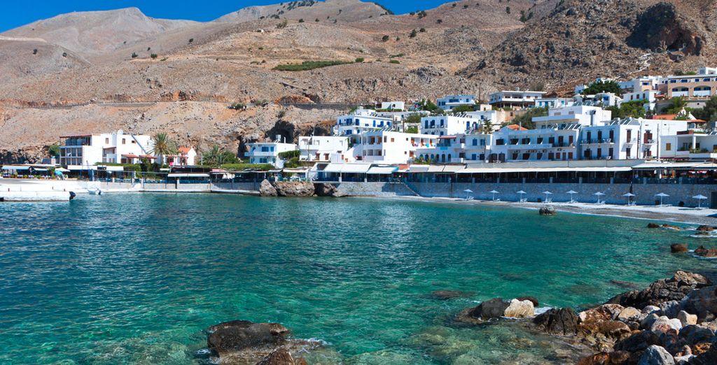Descubra los rincones que la isla más grande de Grecia tiene para ofrecerle
