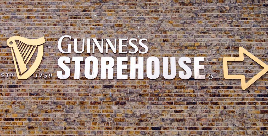Opcionalmente podrá visitar la famosa fábrica Guinness Storehouse