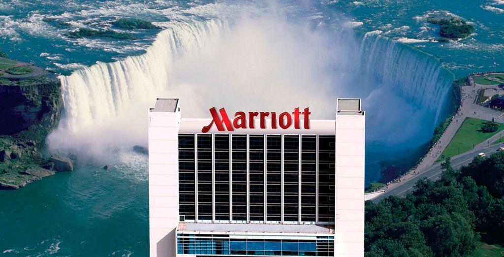 En Niagara Falls se alojará en el hotel Marriott Gateway on the Falls 4*