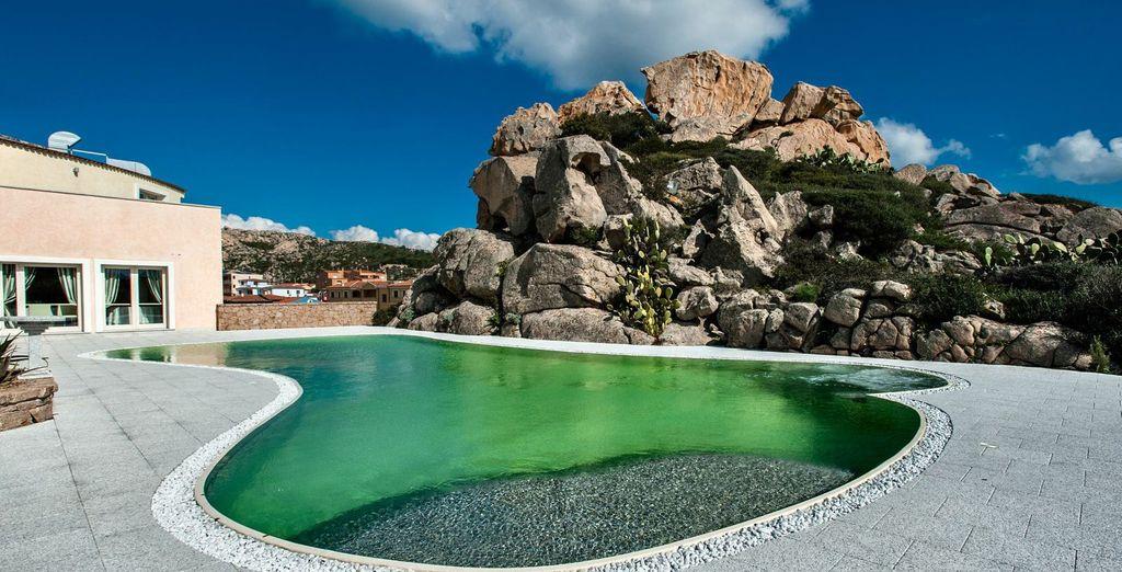 Desconecta en la impresionante piscina Magnapool rica en magnesio y potasio