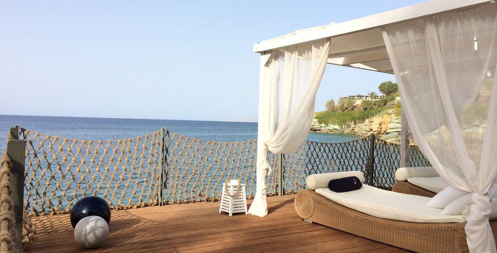 Se alojará en un hotel que es un balcón al Mar Mediterráneo