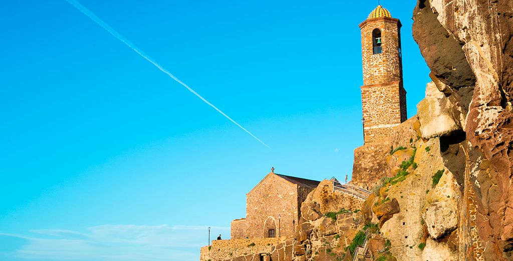 La iglesia de San Antonio abate, en la fortaleza de Castelsardo