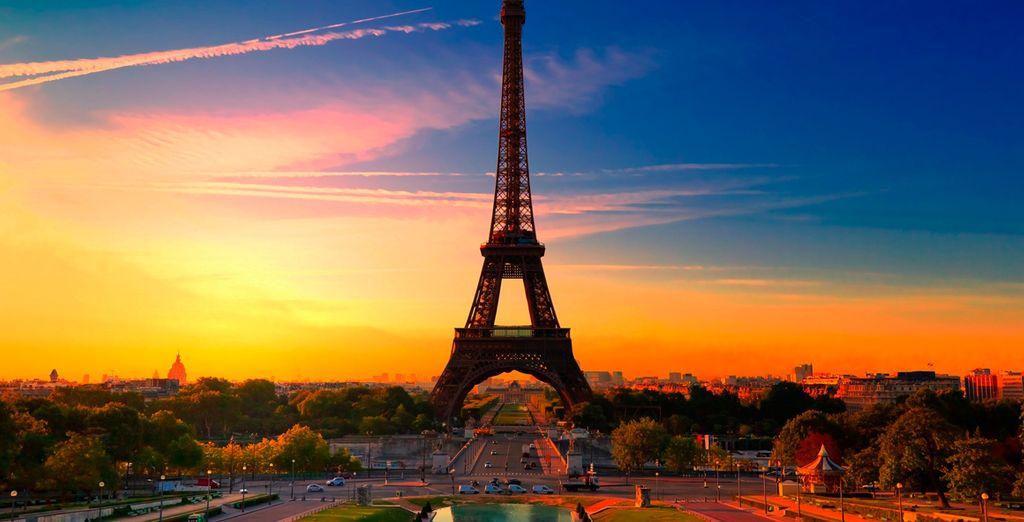 Pasea alrededor de la Tour Eiffel