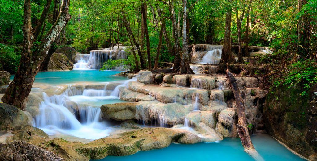 Kanchanaburi alberga las cascadas del Parque Nacional de Erawan