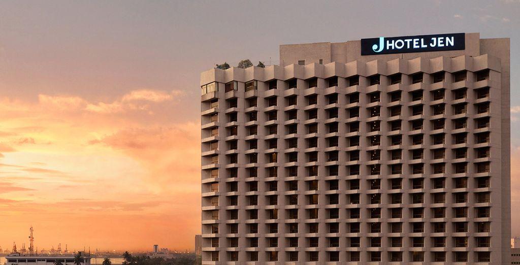 Te presentamos Hotel Jen Manila 4* donde pasarás tu primera noche de estancia
