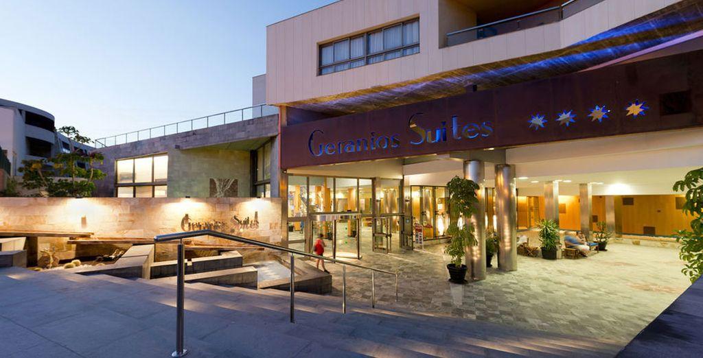 Bienvenido a Hotel Geranios Suites & Spa 4*