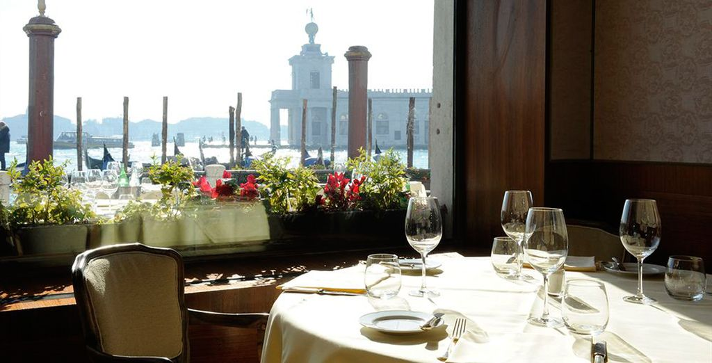 Degusta la típica cocina italiana...