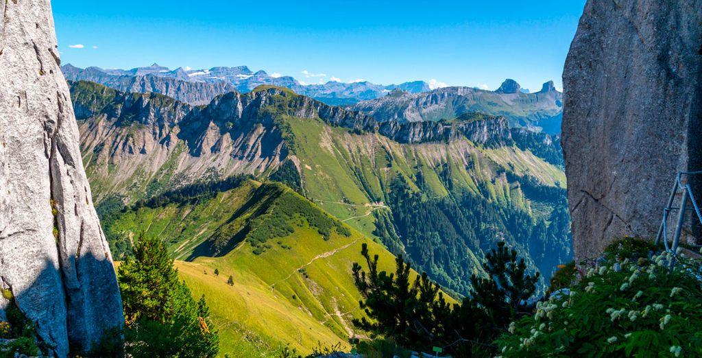 Vistas espectaculares a los Alpes suizos