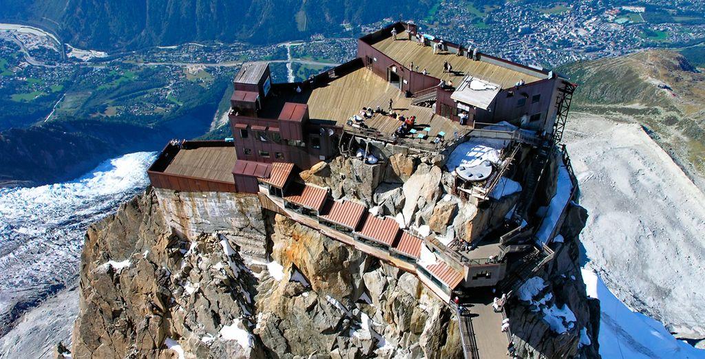 Desde Aiguille du Midi podrás admirar las mejores vistas del macizo del Mont Blanc