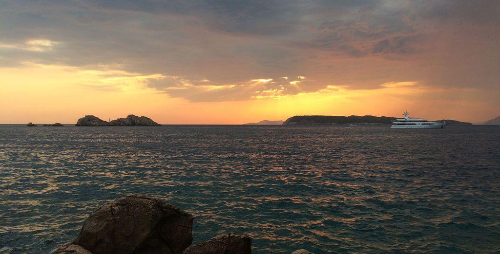 Por un suplemento opcional disfruta de una excursión en barco al archipiélago Elafiti