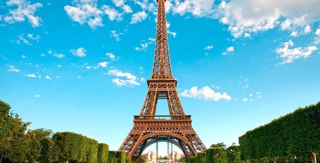 La Torre Eiffel, uno de los emblemas más significativos de la capital francesa