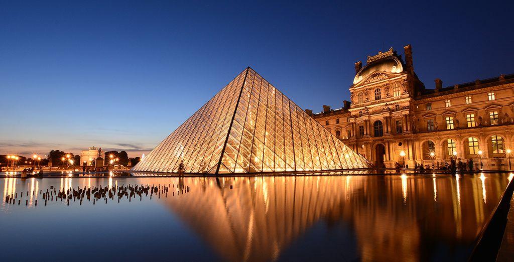 Visita el Louvre, una de las pinacotecas más famosas  que alberga la sonrisa de Mona Lisa