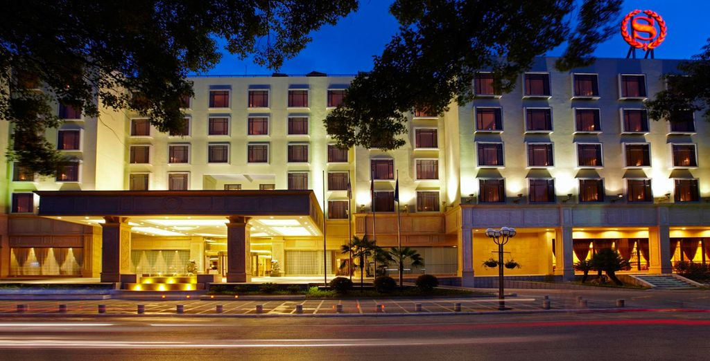 Te alojarás en el Hotel Sheraton 5* en Guilin