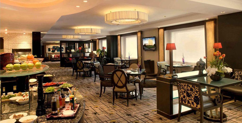 En Pekín te alojarás en el Hotel New Otani Changfugong 5*