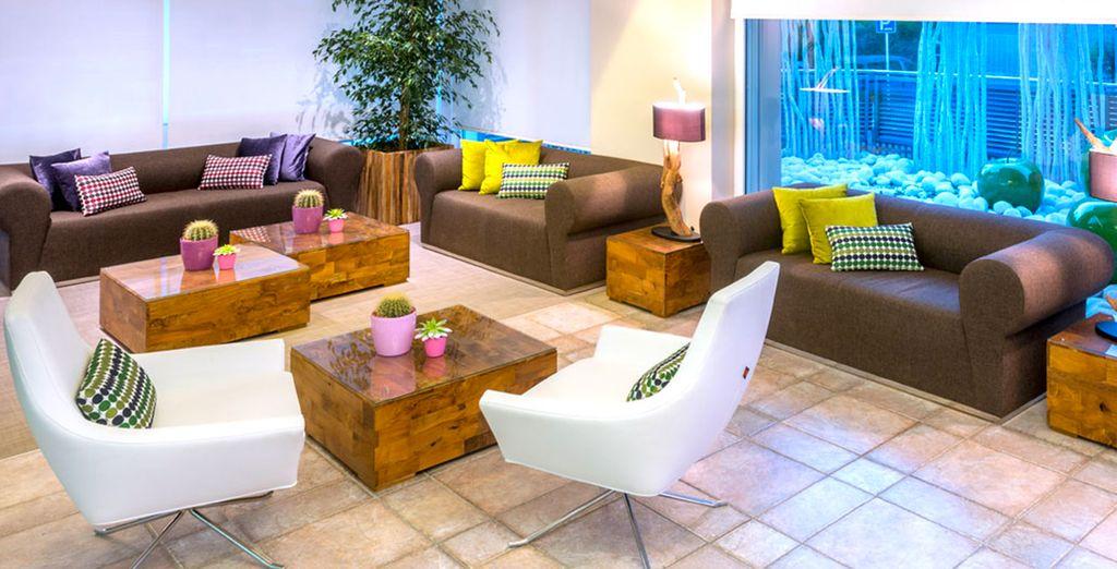 Hotel Kaktus Playa dispone de espacios modernos y confortables