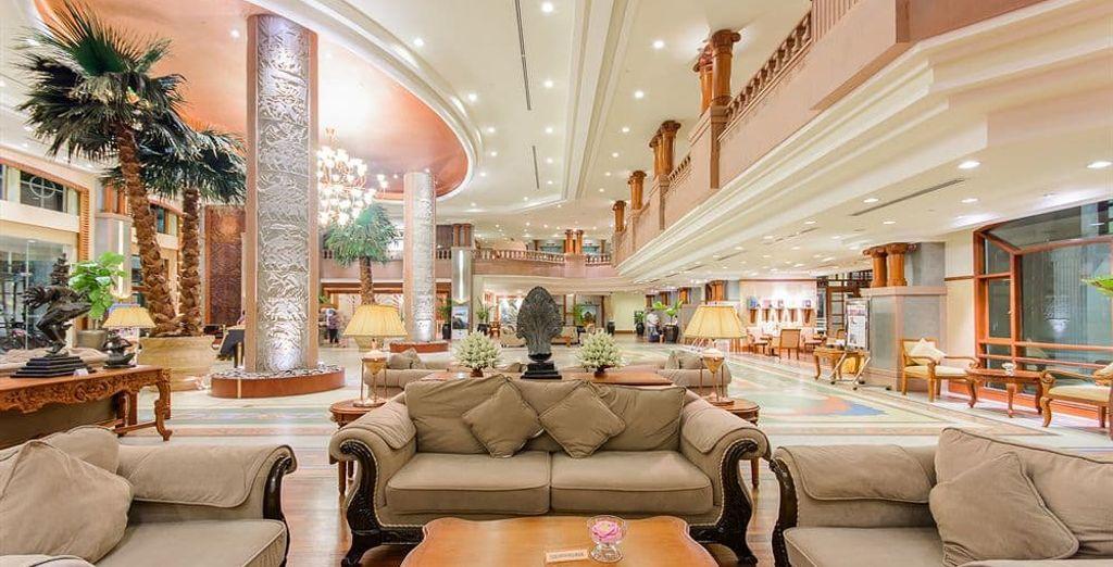 En Siem Riep el alojamiento: Hotel Sokha Angkor 5*