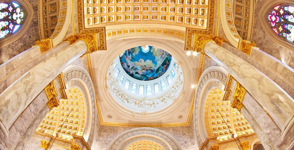 Con iglesias majestuosas
