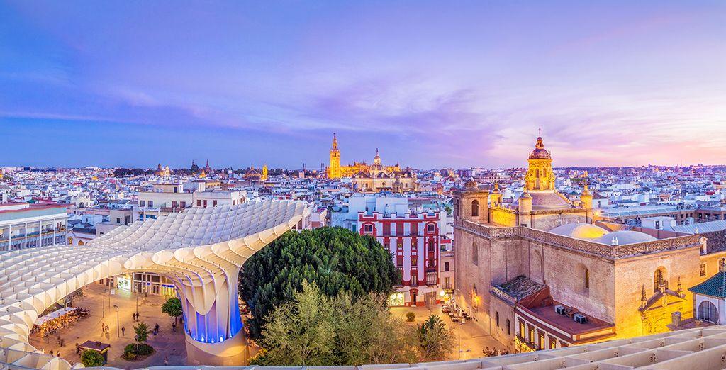 Pasea por las calles de la capital de Andalucía