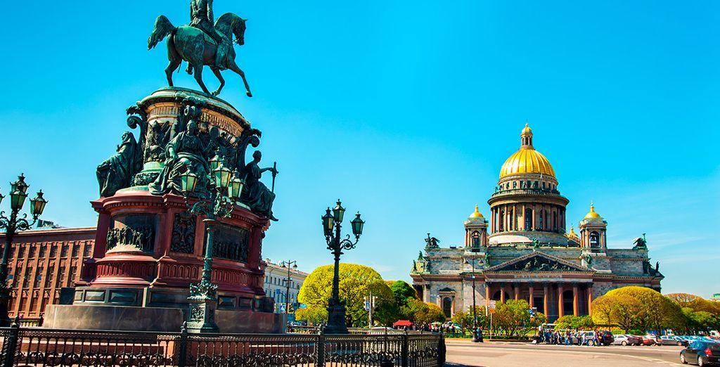 Comenzarás esta bella historia en San Petersburgo, la ciudad fundada por Pedro I El Grande