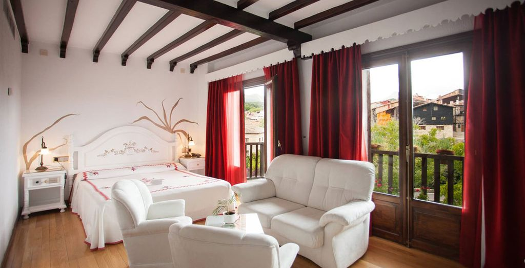 Te habitación Superior con balcón te espera en el Hotel Doña Teresa 4*